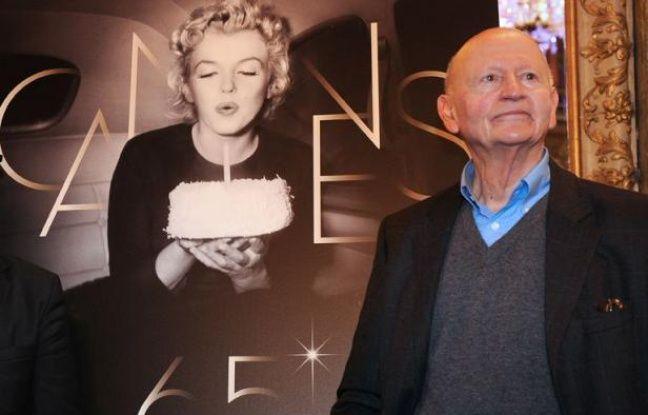Le président du Festival de Cannes Gilles Jacob, qui accueille chaque soir les stars au sommet des marches avec le délégué général Thierry Frémaux, est arrivé pour la première fois sur la Croisette comme critique, en 1964.