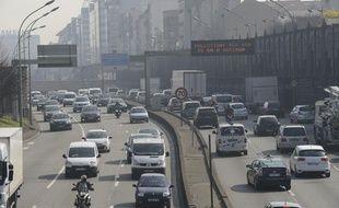 Pollution sur le périphérique parisien le 13 mars 2014.