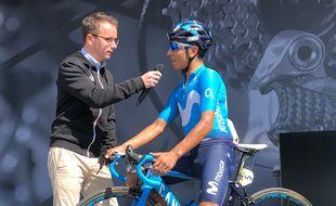 Damien Martin aux côtés du coureur Nairo Quintana, qui évolue désormais sous les couleurs de la formation bretonne  Arkéa-Samsic.