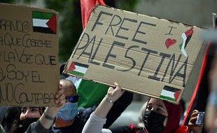 Des manifestants pro-palestiniens à Madrid, le 15 mai 2021.