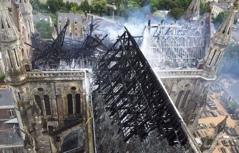 VIDEO. L'incendie de Notre-Dame de Paris ravive de douloureux souvenirs  pour les Nantais