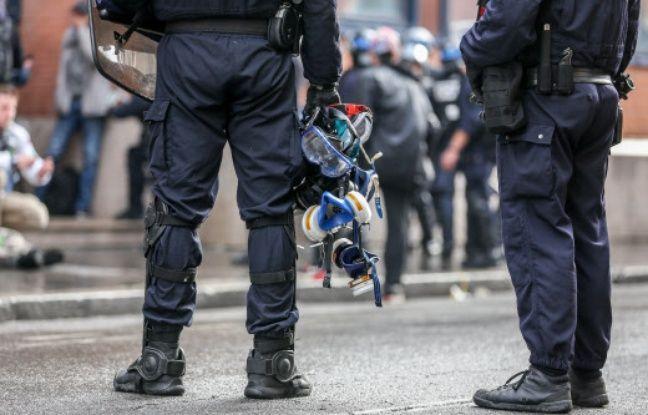 Non, la police ne prévoit pas de mettre des «gilets jaunes» en garde à vue pour les empêcher de voter aux européennes