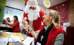 La Poste va bientôt ouvrir le traditionnel secrétariat du père Noël a Libourne, en Gironde.