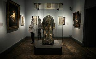 lyon: stéphane bern va aider à redessiner le futur musée des tissus