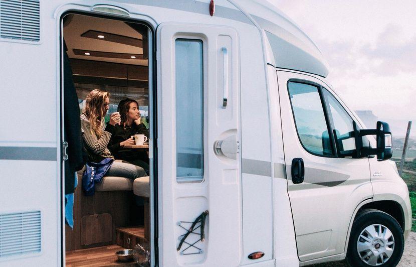 Bordeaux La Start Up Yescapa Espere Que Le Cote Cocon Voyageurs Du Camping Car Va Continuer De Seduire En Temps De Crise Sanitaire