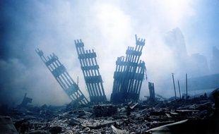 Les décombres des tours jumelles à New York en 2001.