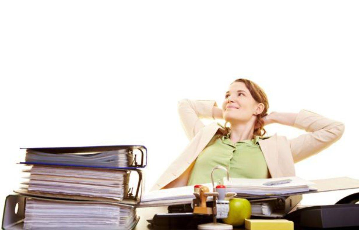 Jeune femme à son bureau. – SUPERSTOCK/SUPERSTOCK/SIPA