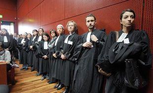 Magistrats, greffiers, fonctionnaires et avocats du Palais de Justice de Nantes écoutent les raisons justifiant des reports d'audience, le 7 février