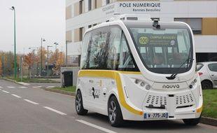 La navette autonome fabriquée par la société Navya circule sur le campus Beaulieu de l'université Rennes 1.