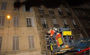 Le feu a ravagé l'appartement du troisième étage à Marseille