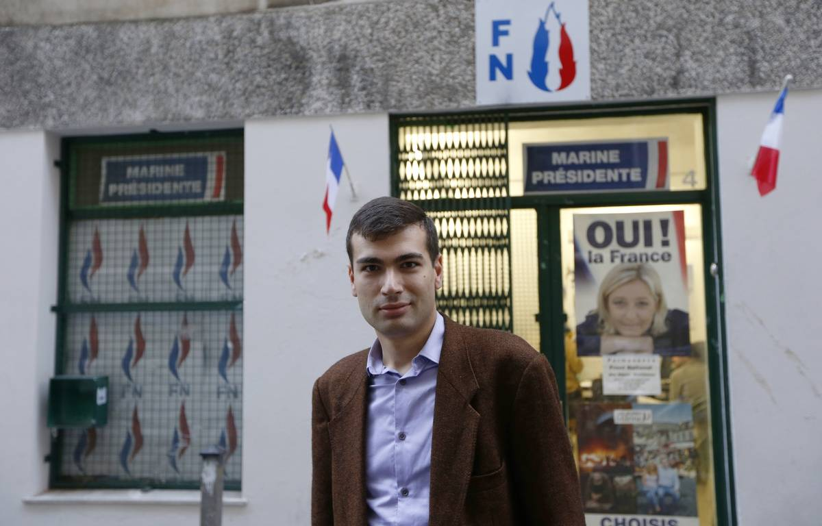 Gaël Nofri devant le siège niçois du FN, le 26 novembre 2012. – VALERY HACHE / AFP
