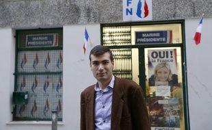 Gaël Nofri devant le siège niçois du FN, le 26 novembre 2012.