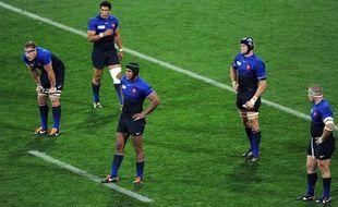 Les joueurs de l'équipe de France de rugby après leur défaite face aux Tonga, le 1er octobre 2011 à Wellington.