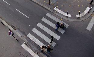 Un passage piéton à Paris.