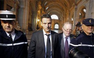 L'ancien trader de la Société générale Jérôme Kerviel (à dr.) va faire appel du jugement rendu le 5 octobre 2010 par le tribunal correctionnel.
