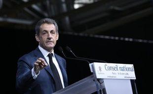 Le président du parti Les Républicains (LR) Nicolas Sarkozy s'adresse aux membres du Conseil national du parti, le 14 février 2016 à Paris