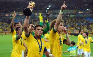 L'équipe du Brésil fête sa victoire en Coupe des Confédération, le 30 juin 2013.