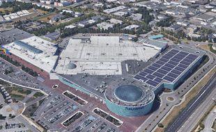 Le toit du centre commercial Atlantis avec l'ajout prévisionnel de panneaux solaires/