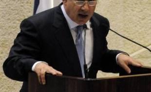 Le nouveau Premier ministre israélien Benjamin Netanyahu, dont le gouvernement a été investi mardi soir par le Parlement, a formellement pris ses fonctions mercredi lors d'une cérémonie à la présidence de l'Etat à Jérusalem.