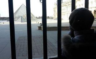 Des militaires de l'opération Sentinelle ont été agressés au Carroussel du Louvre à Paris le 3 février 2017