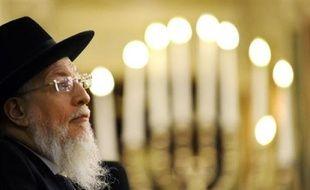 L'ancien Grand Rabbin de France Joseph Sitruk, le 15 avril 2008 à la Grande Synagogue de la Victoire à Paris