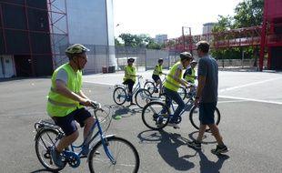 L'association AICV s'est spécialisée dans les cours de vélo pour adultes qu'elle organise à La Vilette.