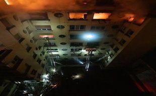 Un incendie fait 10 morts dans un immeuble a Paris dans le 16e arrondissement mardi 5 février 2018.