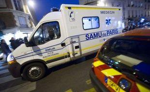 Seize personnes ont été évacuées, dont trois sérieusement blessées, d'un immeuble en feu à Paris (Ve) dans la nuit de dimanche à lundi, a annoncé la préfecture de police (PP) à l'AFP.