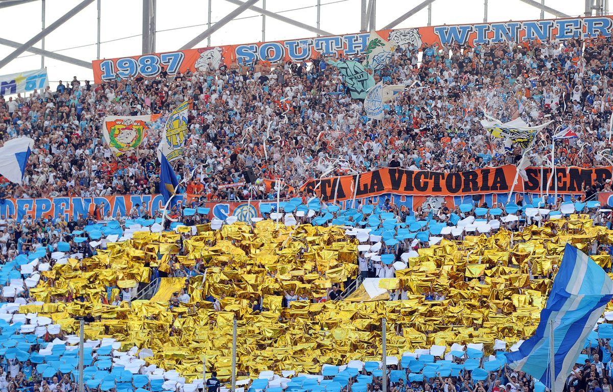 Le tifo du virage Sud du stade Vélodrome, le 19 octobre 2014, avant OM-Toulouse. – Boris Horvat/AFP
