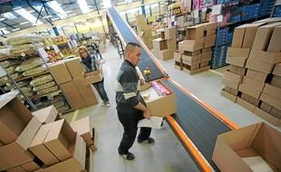 Vieillevigne (Loire-Atlantique), le 30/11/2011. L'entrepot où sont emballés les jouets commandés sur internet à la société l'Avenue des Jeux.