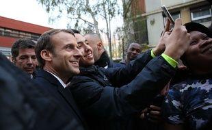 Emmanuel Macron, lors de sa visite à Clichy-sous-Bois. Credit:HAMILTON-POOL/SIPA;