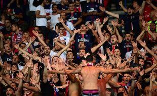 Les supporters du PSG lors du match contre Arsenal le 13 septembre 2016.