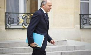 Laurent Fabius à la sortie d'un conseil des ministres le 6 mars 2013.