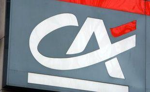 Jusqu'à 2.500 emplois pourraient être supprimés par le groupe Crédit Agricole au niveau mondial, essentiellement dans sa banque d'investissement Cacib qui réunit mercredi un comité d'entreprise, selon des informations publiées par la presse.