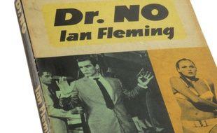 Le livre de Ian Fleming «James Bond contre Dr No» (illustration).