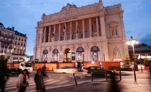 Marseille la cci supprime 145 postes for Chambre de commerce de marseille archives