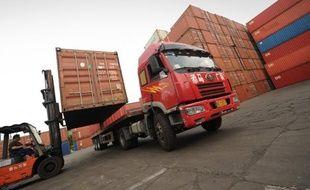 Le gouvernement chinois a annoncé mercredi augmenter légèrement ses quotas d'exportation de terres rares, alors qu'il est critiqué par ses partenaires commerciaux pour ses restrictions au commerce de ces minéraux indispensables dans les hautes technologies.