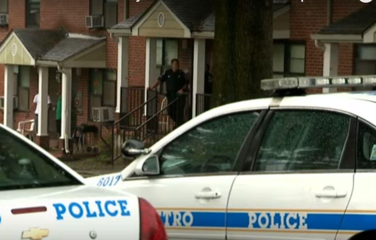 Les autorités américaines ont arrêté un homme de 27 ans soupçonné d'avoir laissé traîner son arme dans l'appartement. – Capture d'écran Youtube / News Channel 4