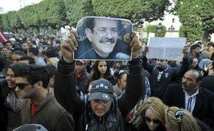 Un homme soupçonné d'avoir tué l'opposant tunisien Chokri Belaïd et son complice présumé ont été arrêtés lundi, a appris l'AFP auprès deux sources policières qui ont décrit les deux hommes comme appartenant à la mouvance salafiste.