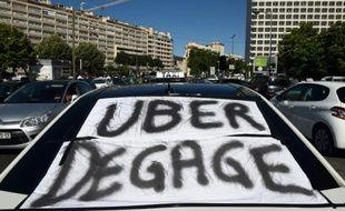Manifestation de taxis contre Uber et UberPop, le 25 juin 2015 à Marseille