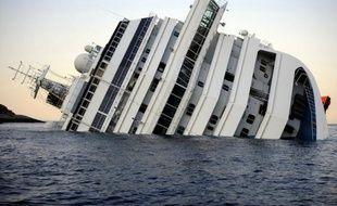 Grosseto est la ville la plus proche du site de la tragédie où plus d'un an plus tard, le navire fait l'objet d'une opération sans précédent destinée à le redresser, à le faire flotter et à le ramener jusqu'à un port pour le démanteler.