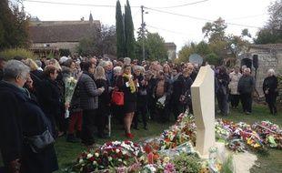 Hommage aux 43 victimes décédées le 23 octobre 2015 dans un accident de la route à Puisseguin.