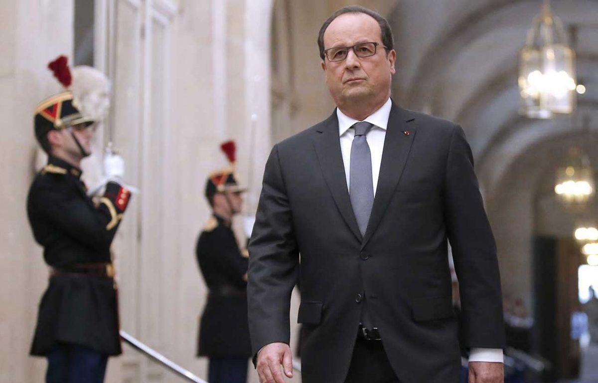 François Hollande à Versailles le 16 novembre 2015. – AFP PHOTO / POOL / MICHEL EULER