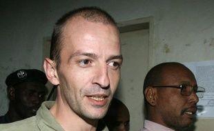 """L'un des avocats de la défense au procès de l'Arche de Zoé, association qui avait tenté en 2007 d'exfiltrer 103 enfants présentés comme des orphelins du Darfour, a estimé mercredi que les prévenus """"ont été aveuglés par leurs bons sentiments""""."""