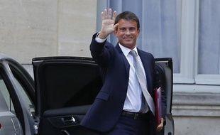 Manuel Valls arrivant à Matignon le 26 aout 2014