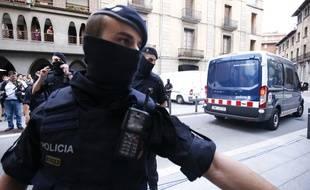 L'arrestation d'un suspect des deux attentats perpétrés en Catalogne, à Ripoll.