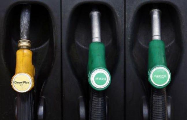 Le gouvernement a annoncé lundi que la baisse des prix des carburants devrait être proche de 2 à 4 centimes, une mesure qui peine à convaincre les consommateurs alors que le gazole n'en finit pas de flamber, et qui divise les professionnels, en désaccord sur le soutien qu'on leur réclame.