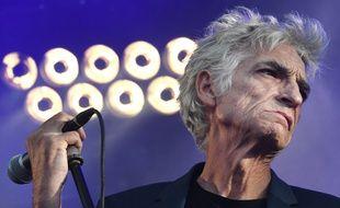 Philippe Pascal sur la scène des Vieilles Charrues en 2018.