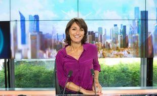 Amandine Bégot en 2014 sur le plateau d'iTélé.