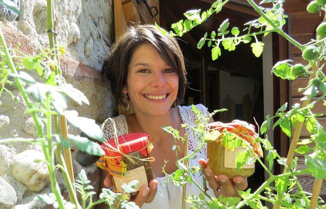 Céline Julliat, créatrice des confitures Les Repêchés mignons, confectionnées avec des fruits et légumes jetés par les supermarchés.